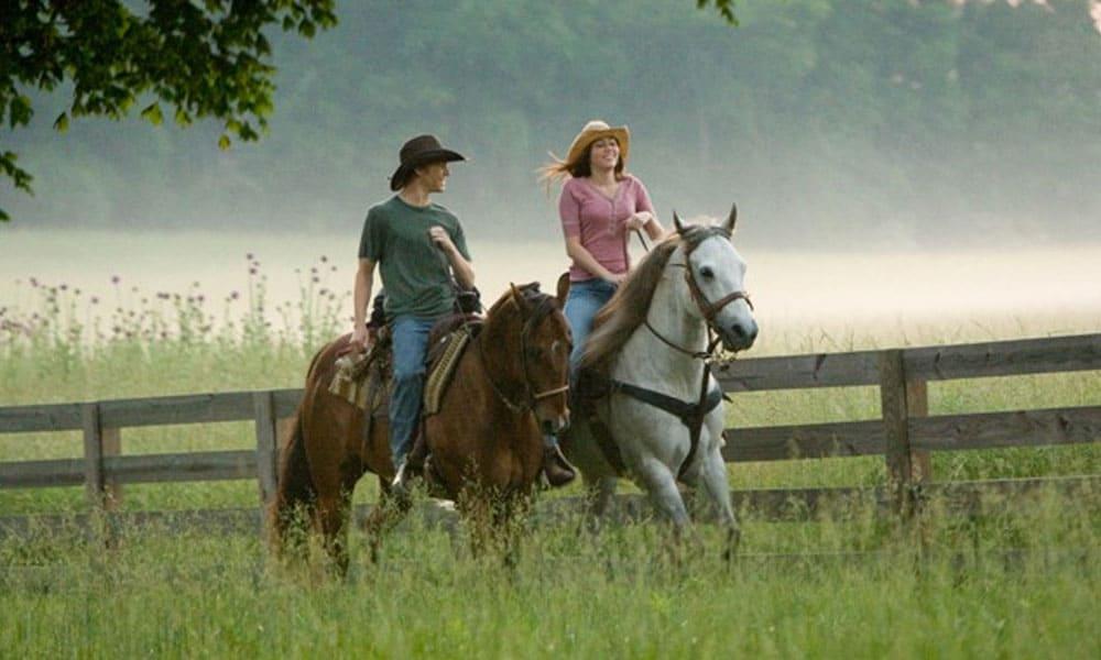 miley cyrus hannah montana movie horseback riding scene