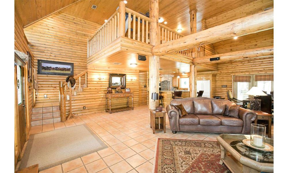 World renowned horse trainer clinton Anderson has his home for sale