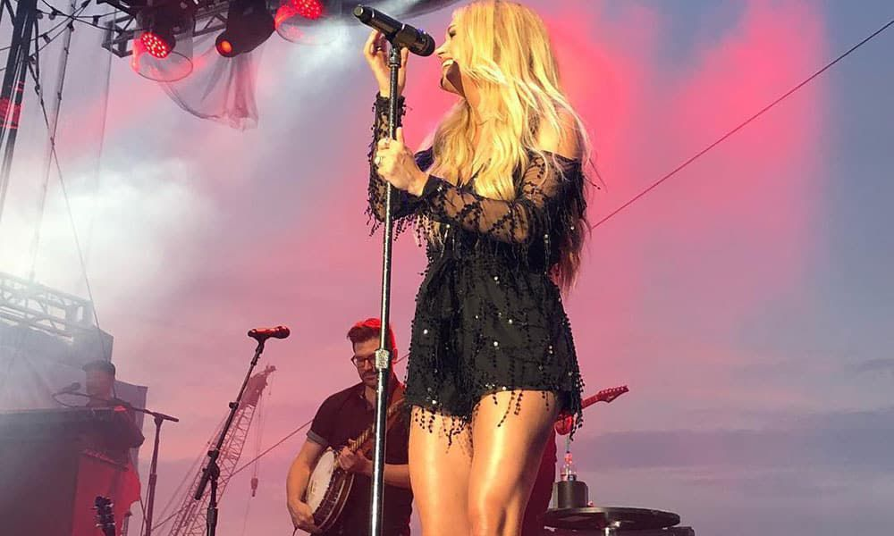 Carrie Underwood Cowgirl Magazine
