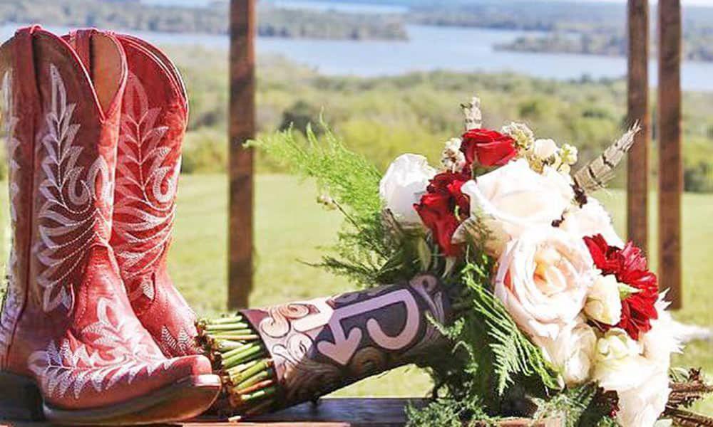 Leather Wedding Bouquet Holders Wedding Trend Cowgirl Magazine