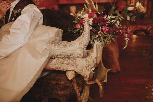 western wedding cowgirl magazine