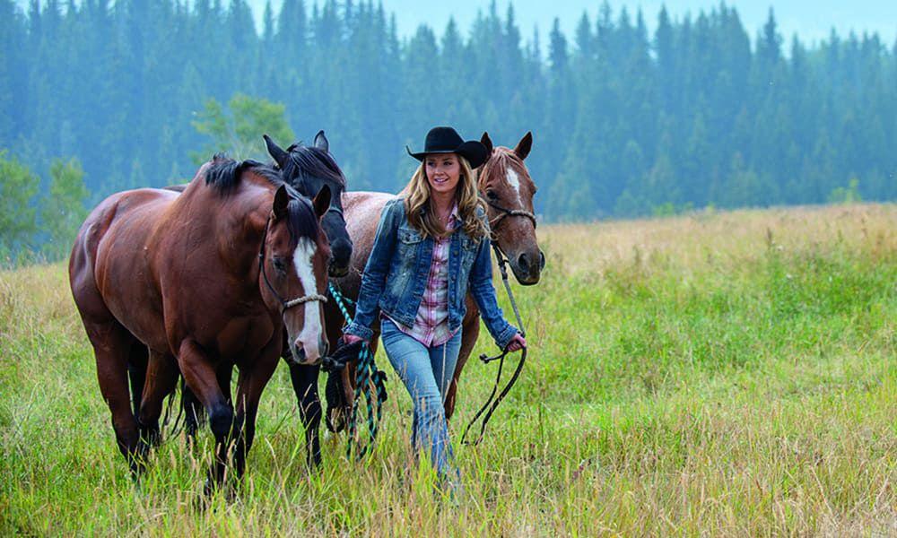 amber marshall heartland horses cw cbc tv show cowgirl magazine
