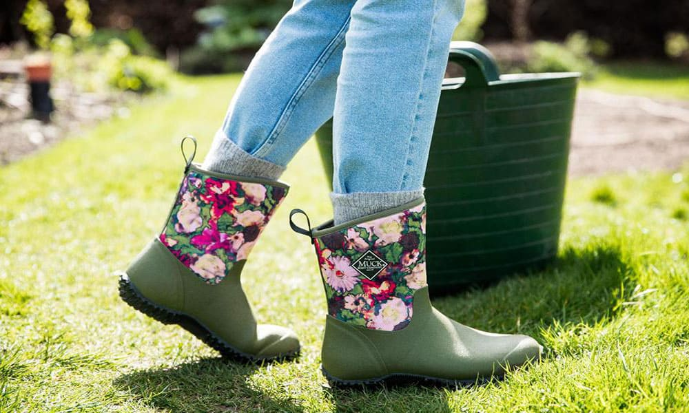 94b839eea944 Spring Muck Boots For The Horse Barn