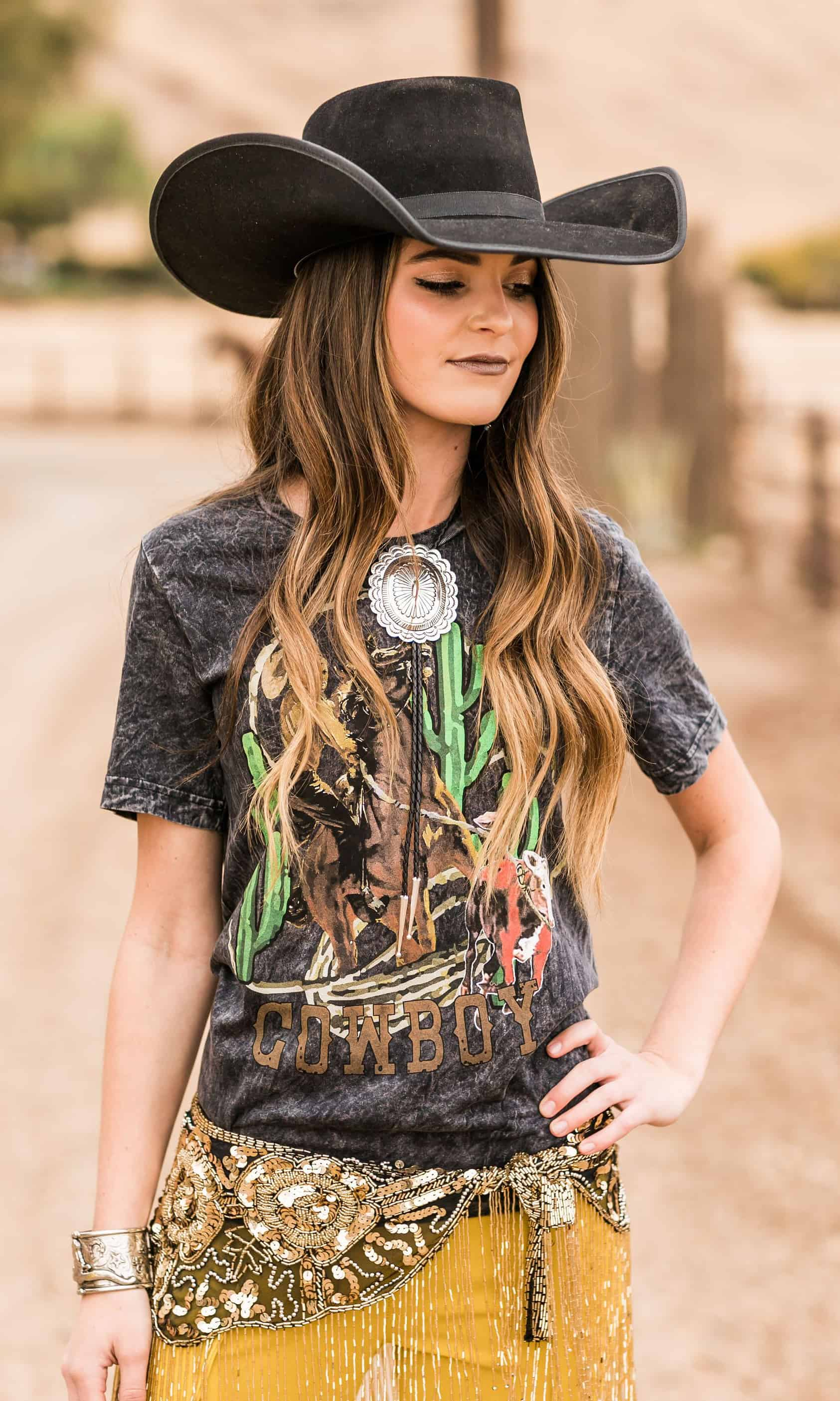 rodeo quincy graphic tee cowgirl magazine