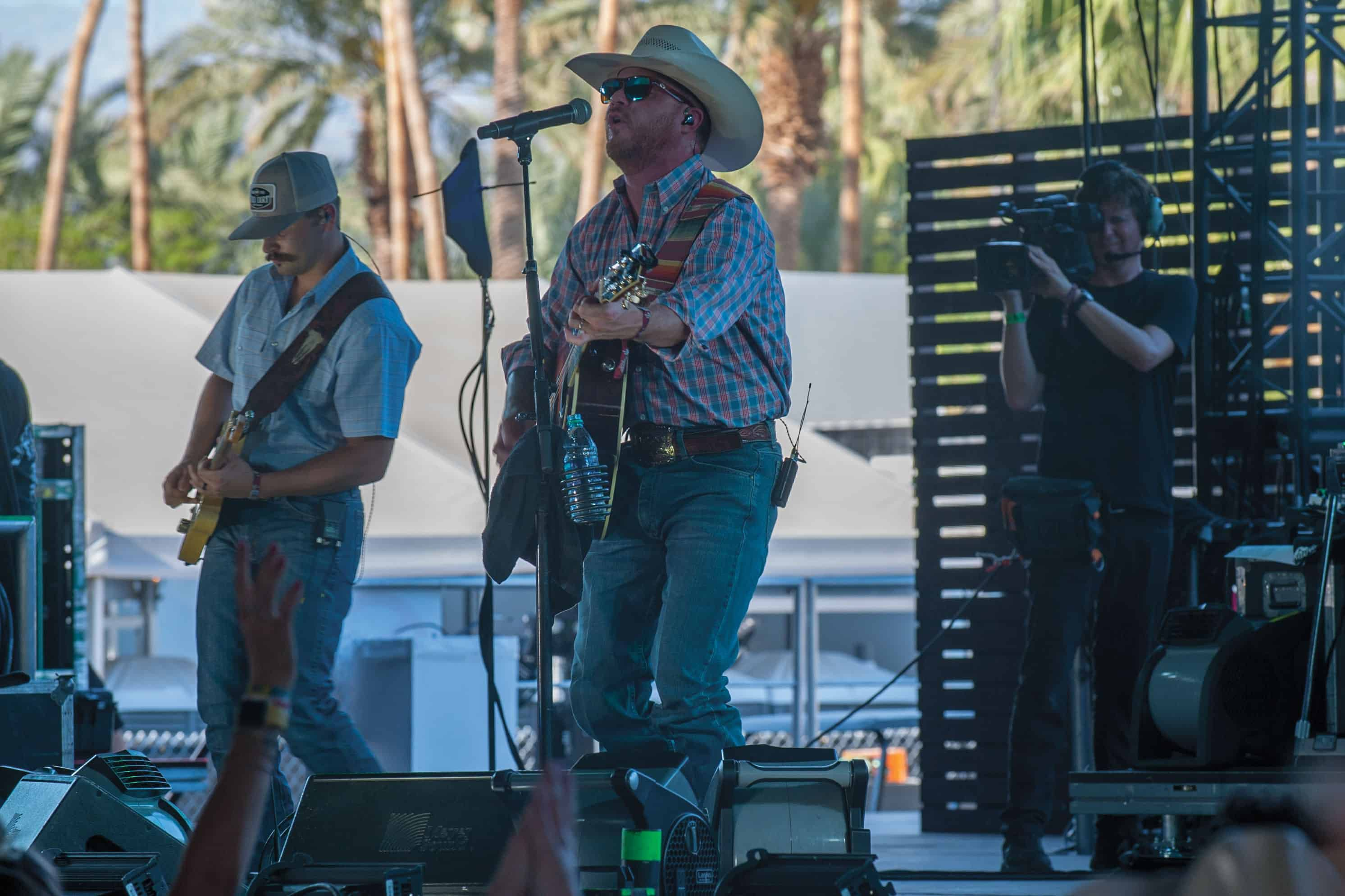 cody johnson singning country music at stage coach in california