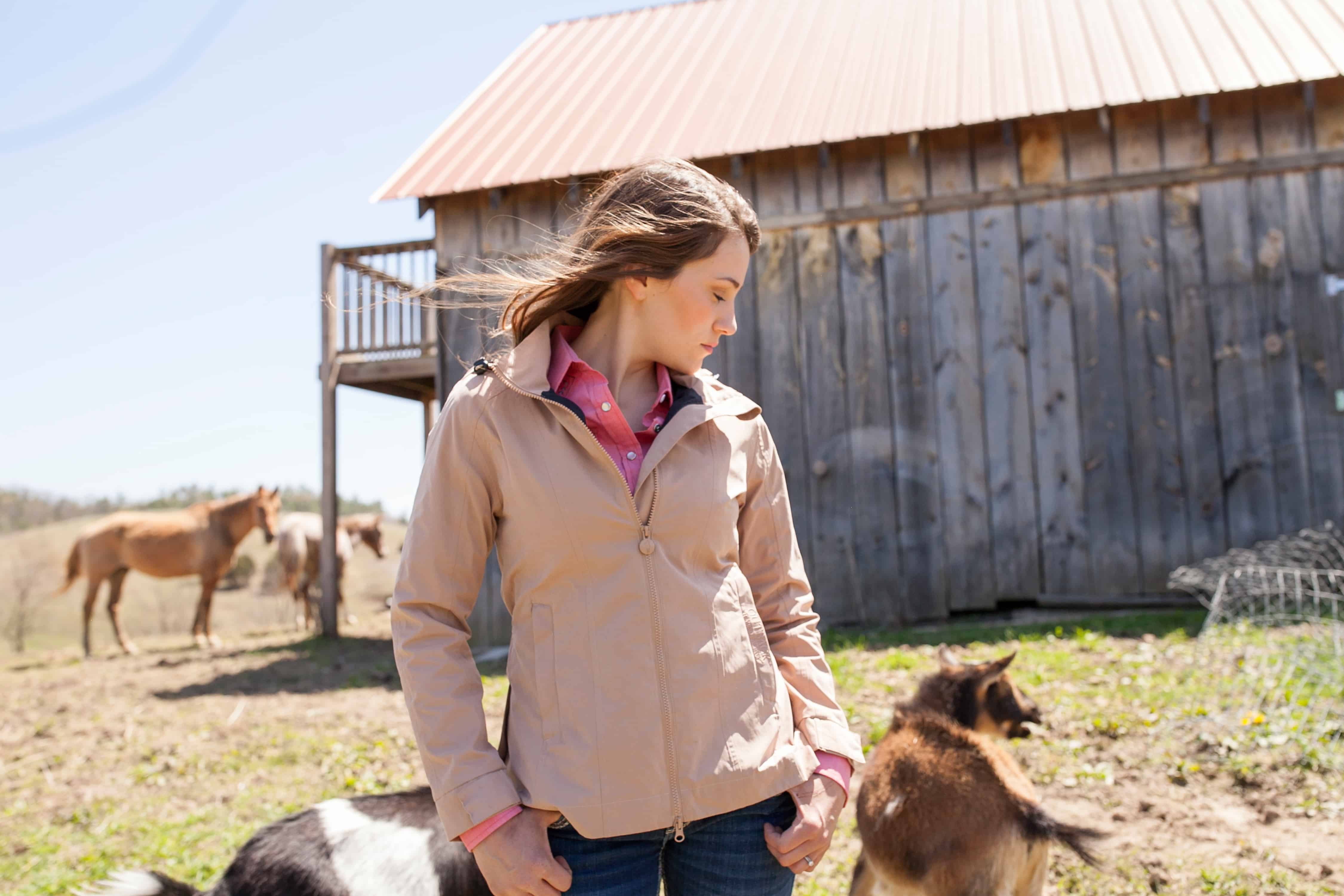 women's jacket from outback with bar in the back and animals