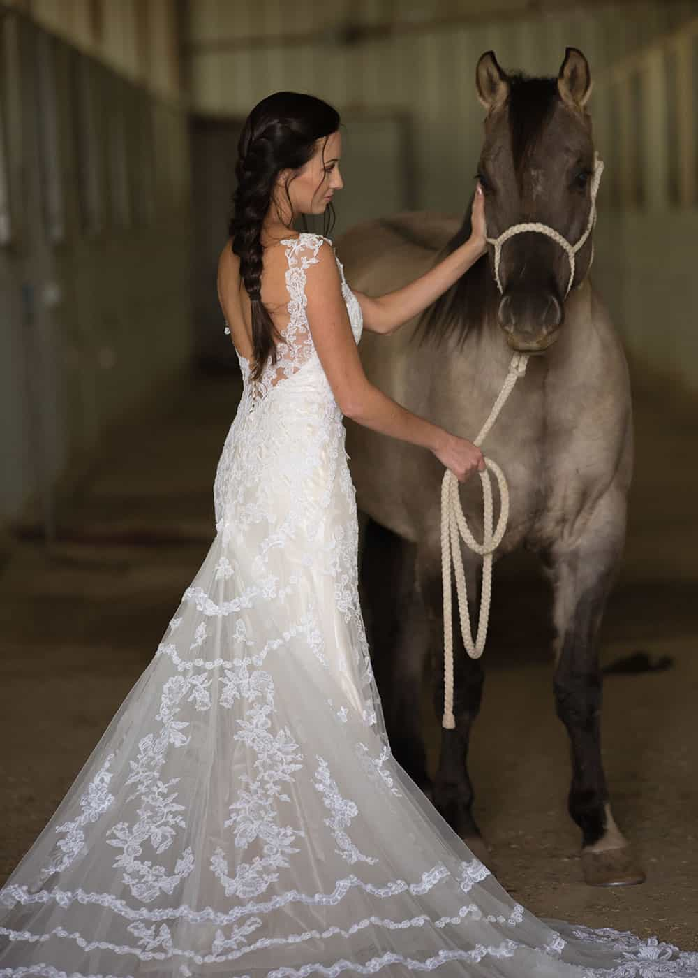 horse and bride wedding poses dunlap photography cowgirl magazine