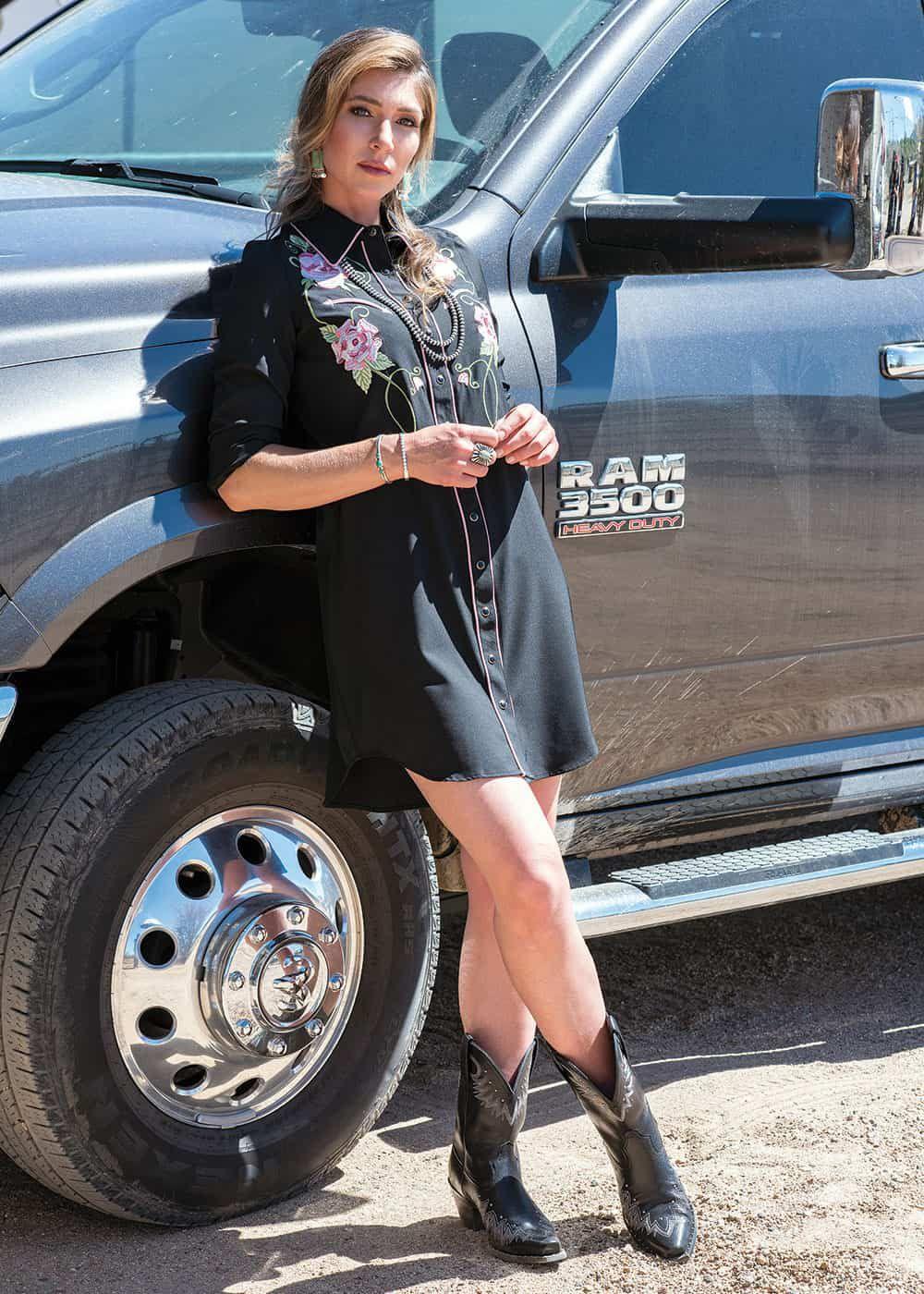 grit and glam fall fashion barn ranch cowgirl magazine