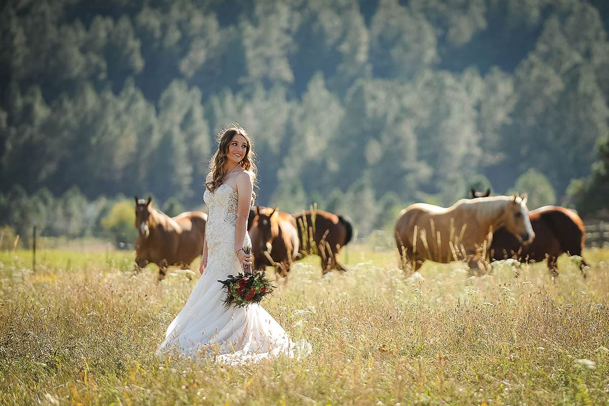 horse and bride poses dunlap photography cowgirl magazine