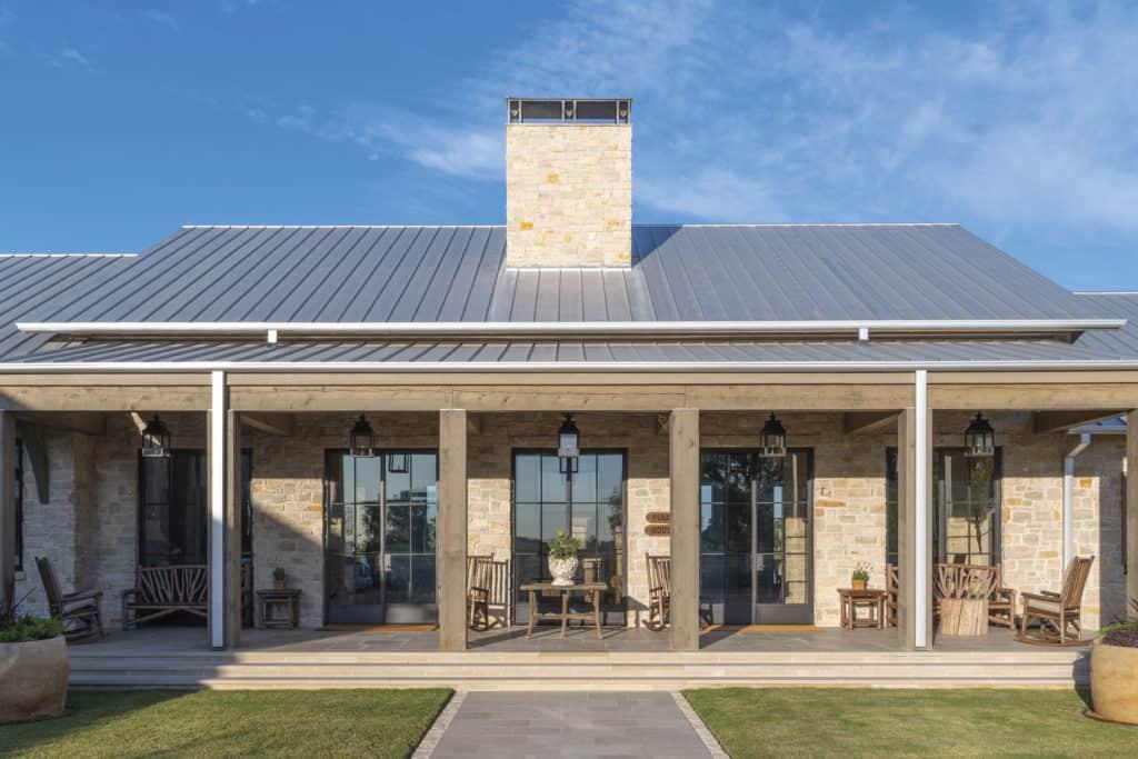 spread oaks ranch texan treasure residence feature cowgirl magazine