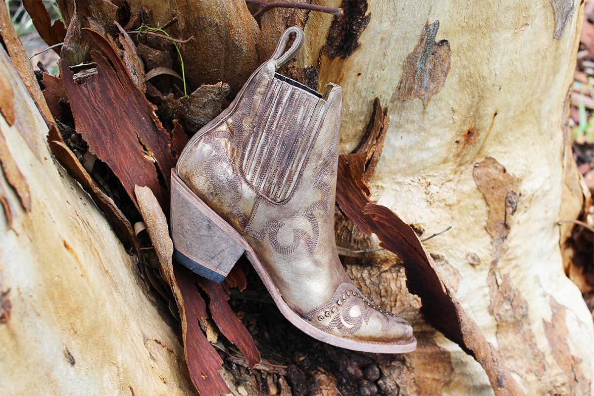 shay botin ankle cowgirl magazine