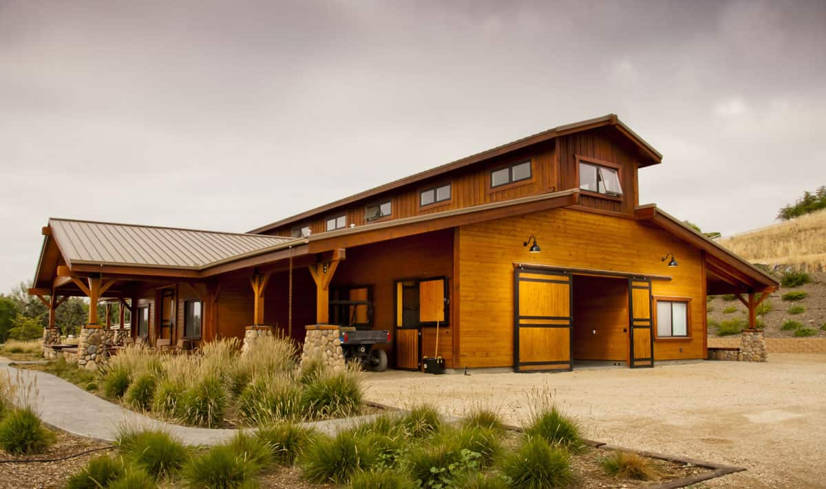 5 Virtual Barn Tours You Must Go On Cowgirl Magazine