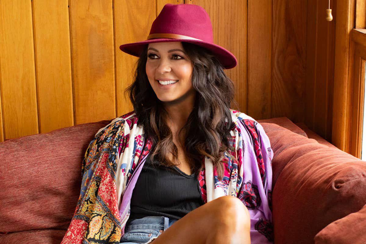 sara evans' livestream cowgirl magazine
