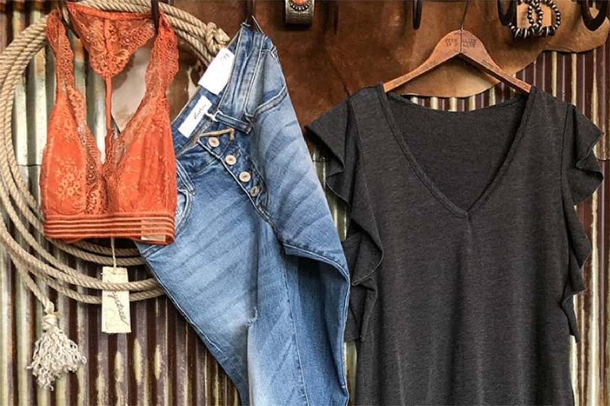 at-home styles from Savannah 7s cowgirl magazine