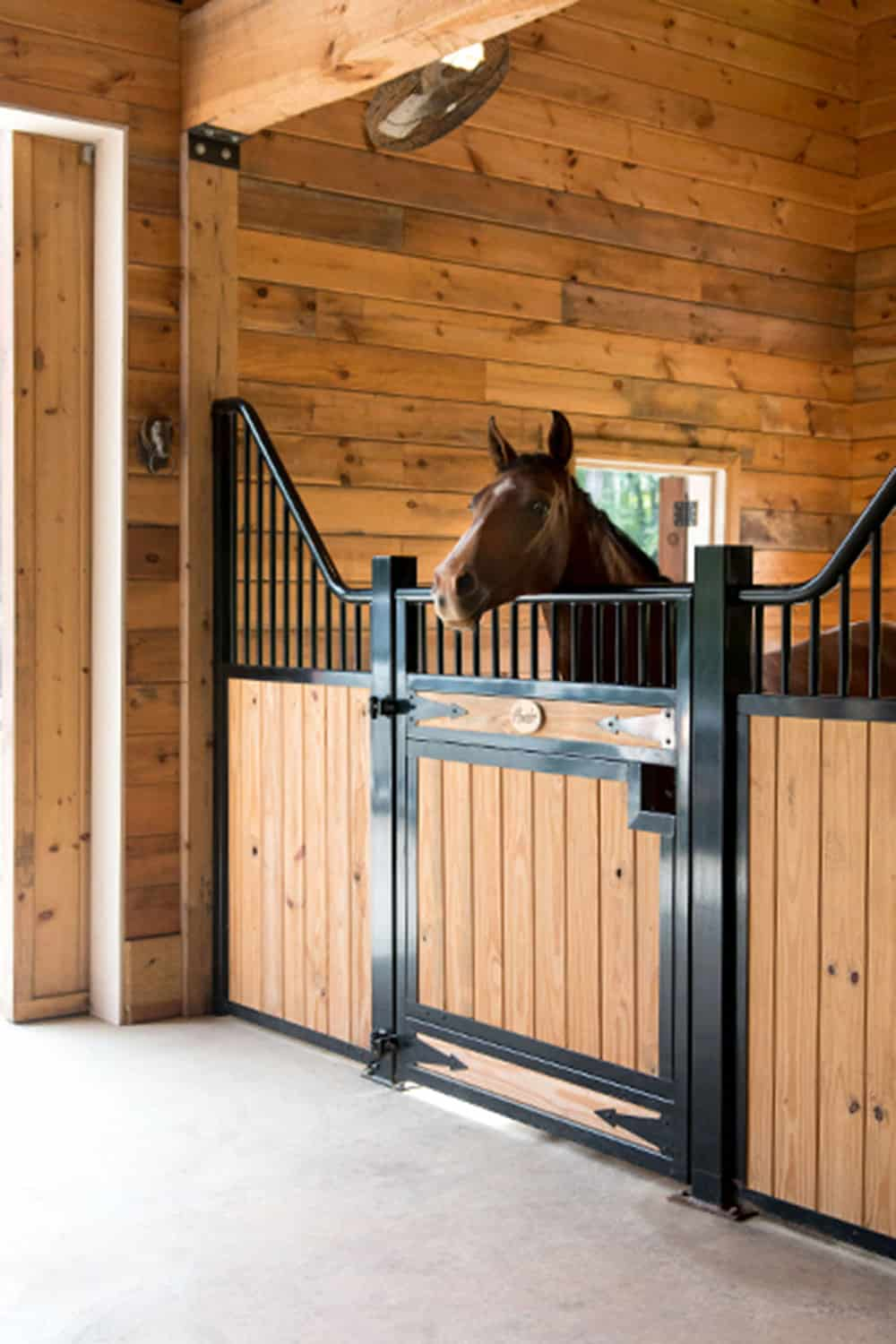 debbie disbrow ramm horse fencing and stalls cowgirl magazine
