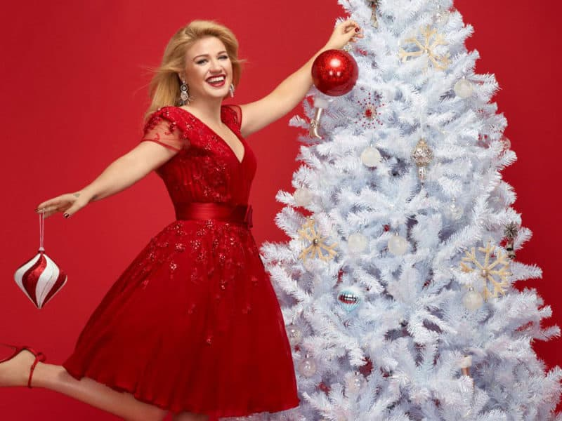 kelly clarkson christmas album cowgirl magazine
