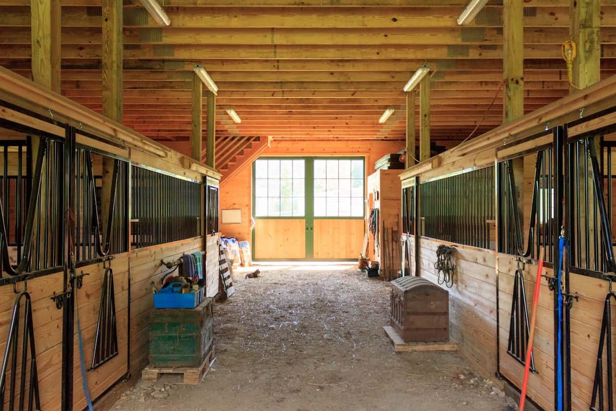 functioning barn cowgirl magazine