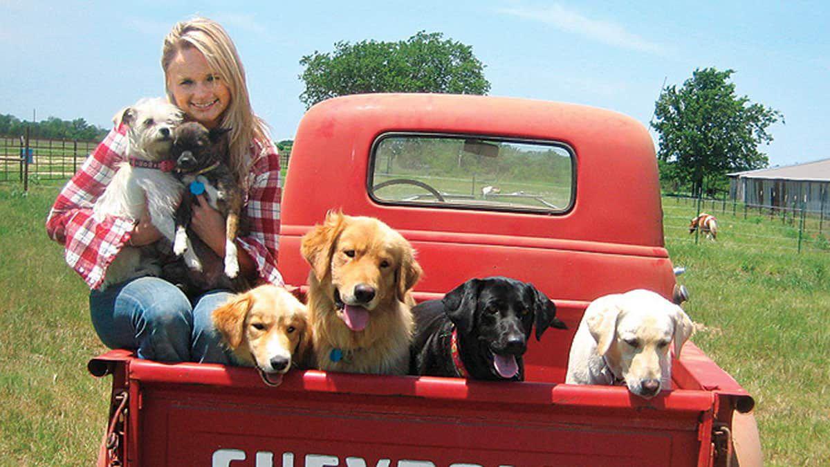 miranda lambert dogs muttnation cowgirl magazine