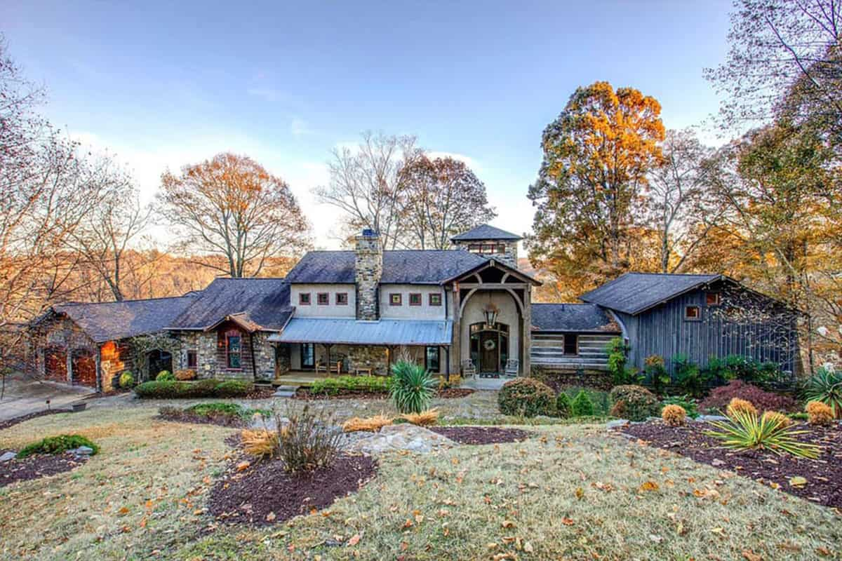 luxurious log cabin Tennessee cowgirl magazine