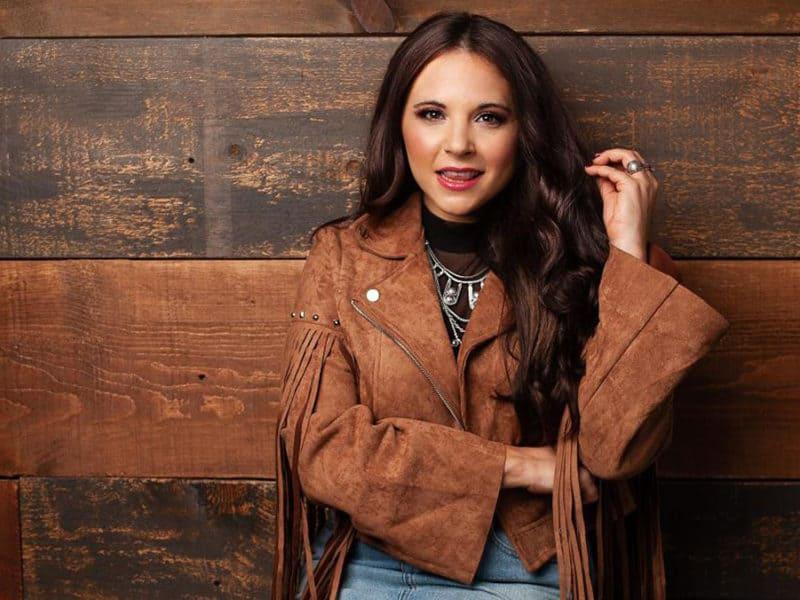 lauren davidson going nowhere cowgirl magazine