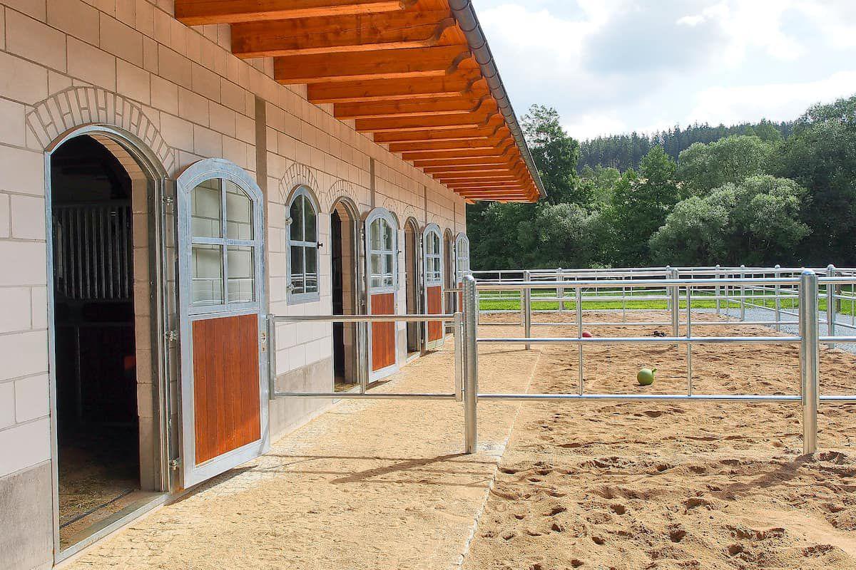 stall runs cowgirl magazine