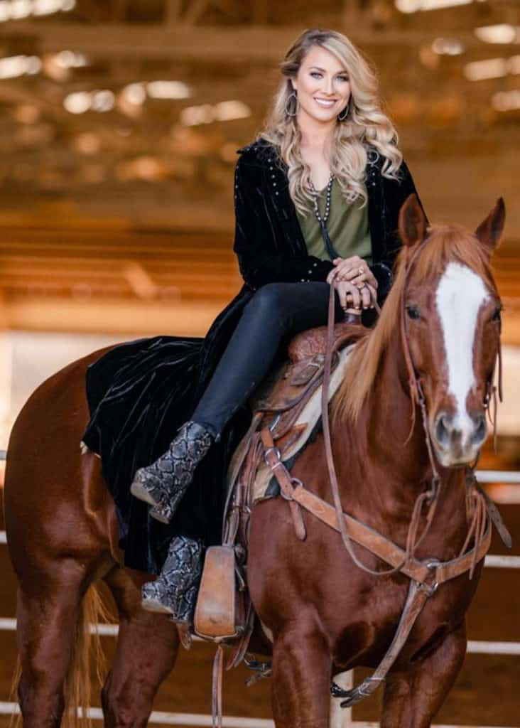loni kay lester cowgirl 30 under 30 2021 cowgirl magazine