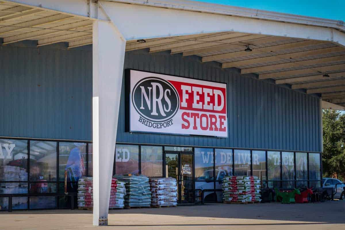 nrs expanding Bridgeport national roper's supply cowgirl magazine