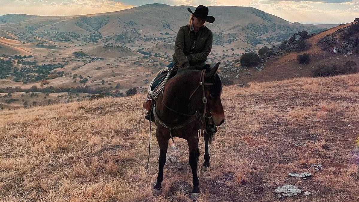 riding solo cowgirl magazine