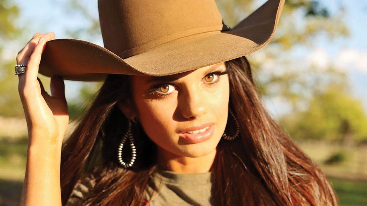 suzie crooch cowgirl magazine