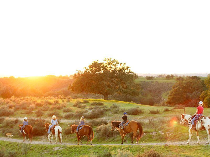Vino Vaqueros cowgirl magazine