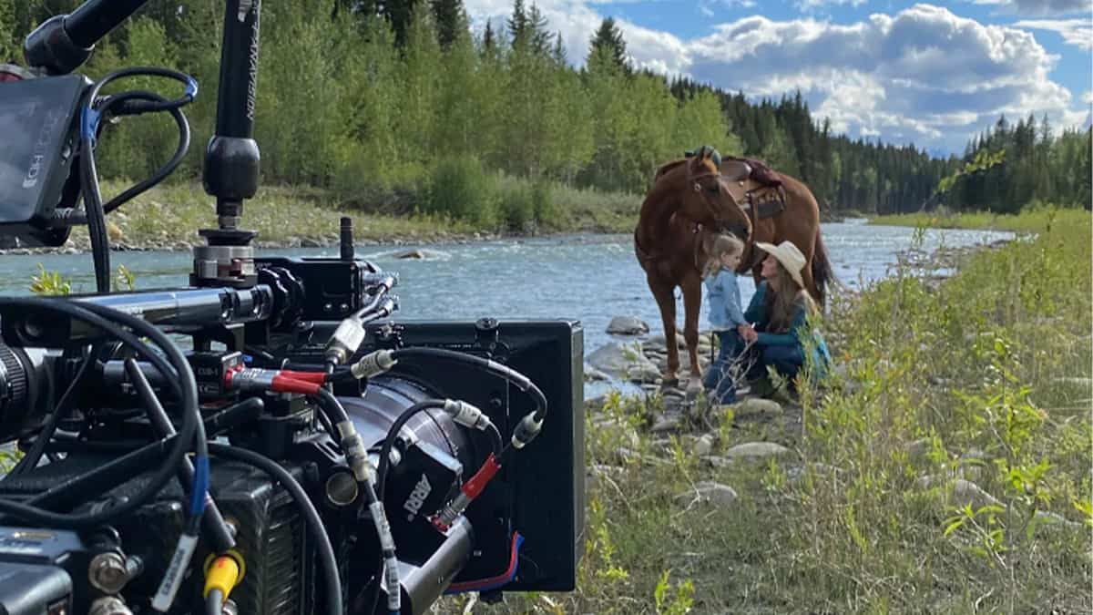 heartland season 15 behind the scenes cowgirl magazine