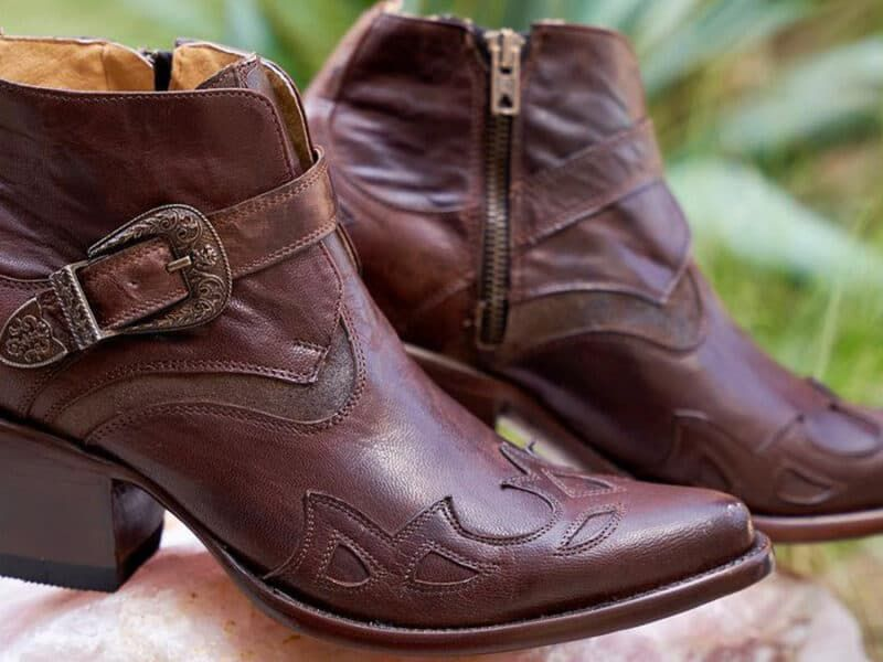 Falling for old gringo boots cowgirl magazine