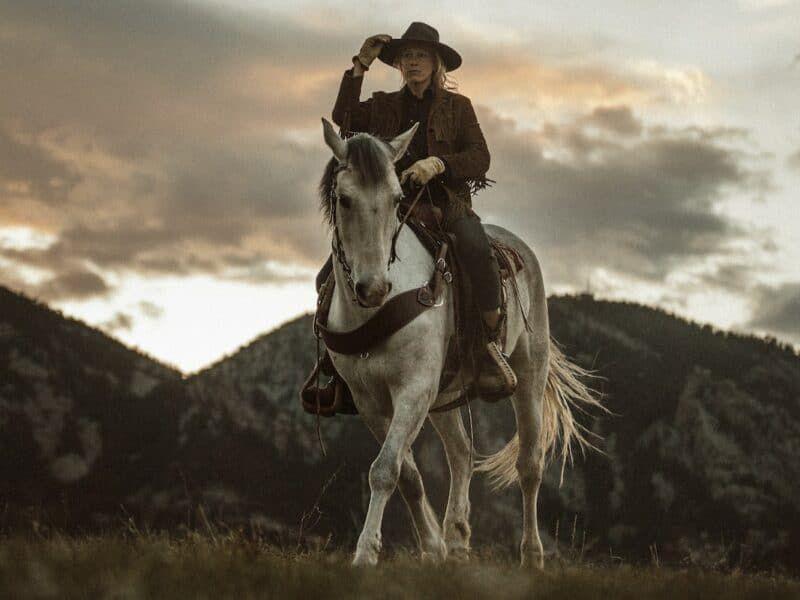 leg cues cowgirl magazine