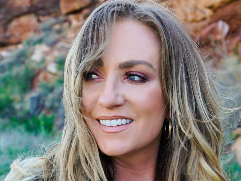 clare dunn music on mondays cowgirl magazine