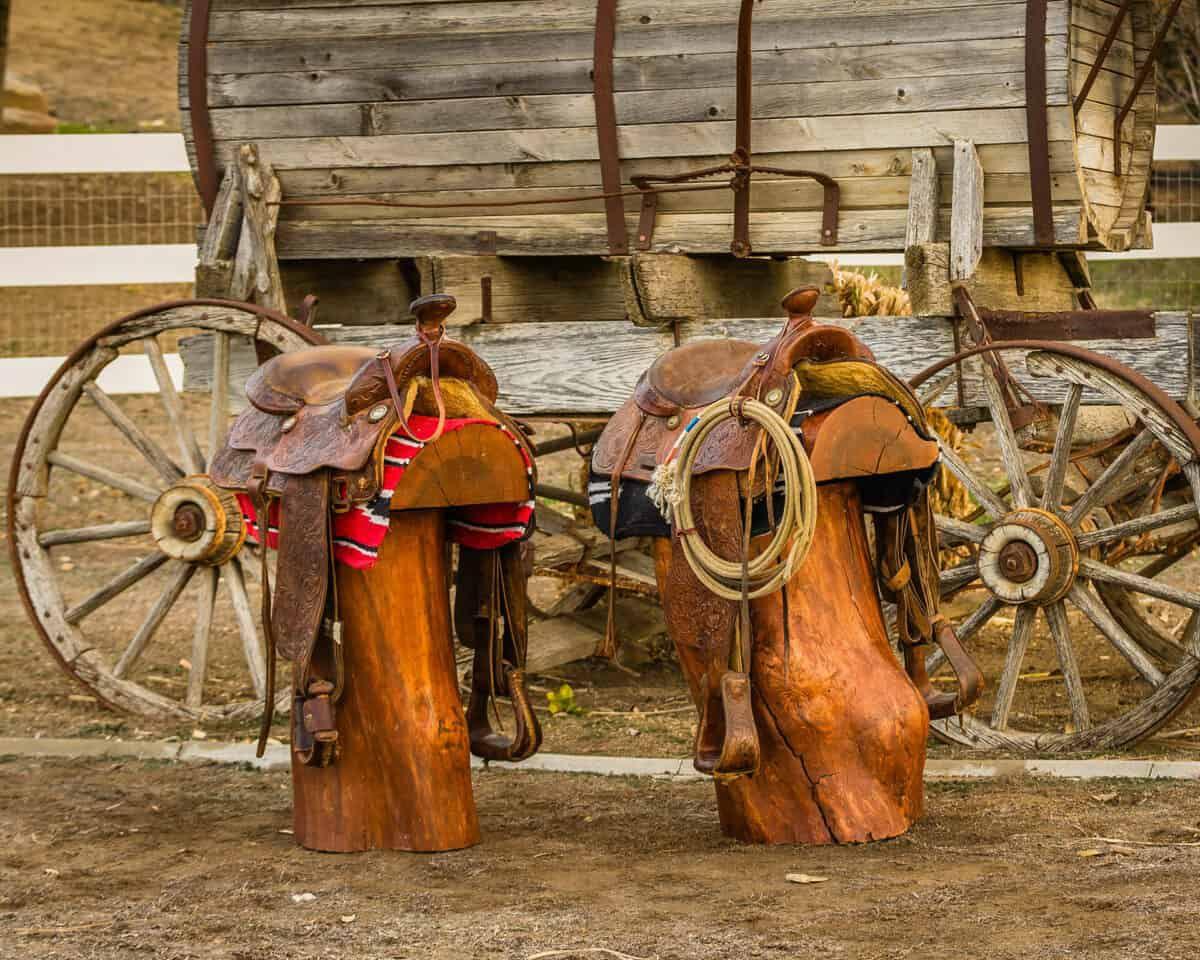 repurpose old saddle cowgirl magazine