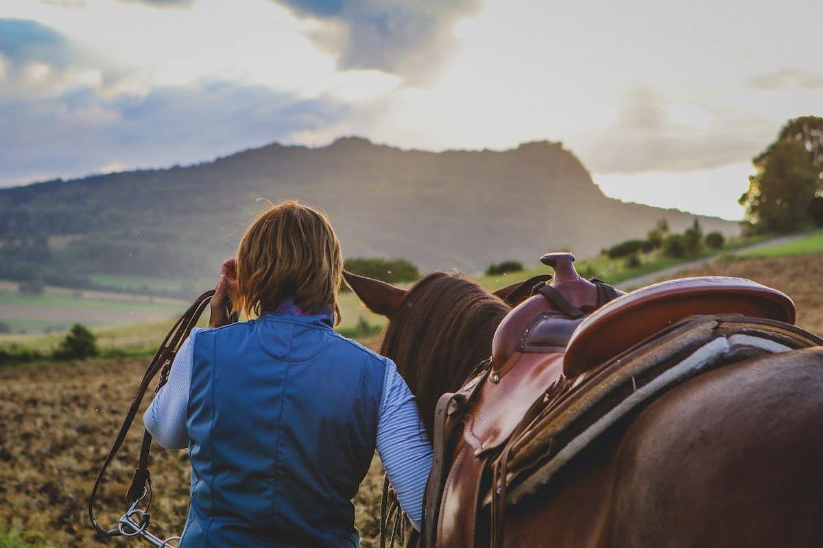 trail etiquette cowgirl magazine