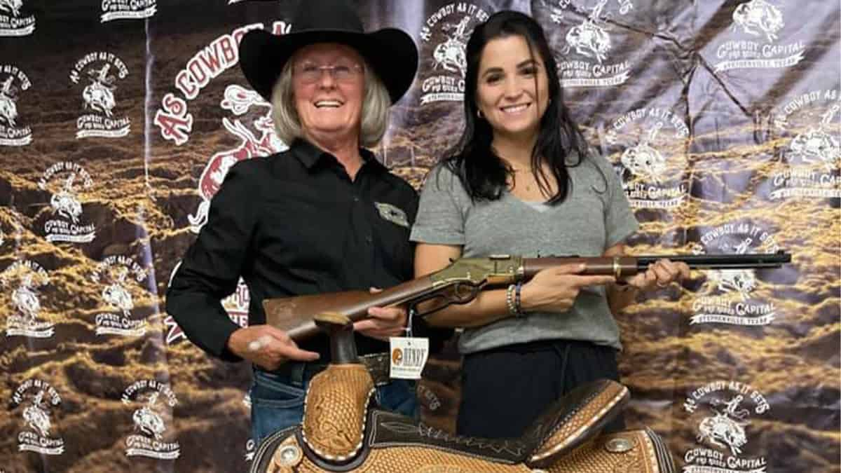 ari-anna flynn cowboy capital prca rodeo cowgirl magazine