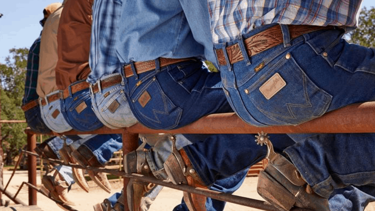 cowgirl-magazine-starching-jeans